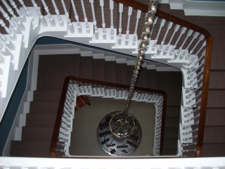 3 floor staircase