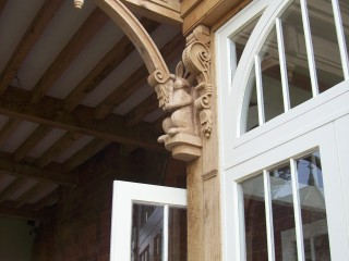 Detail in oak