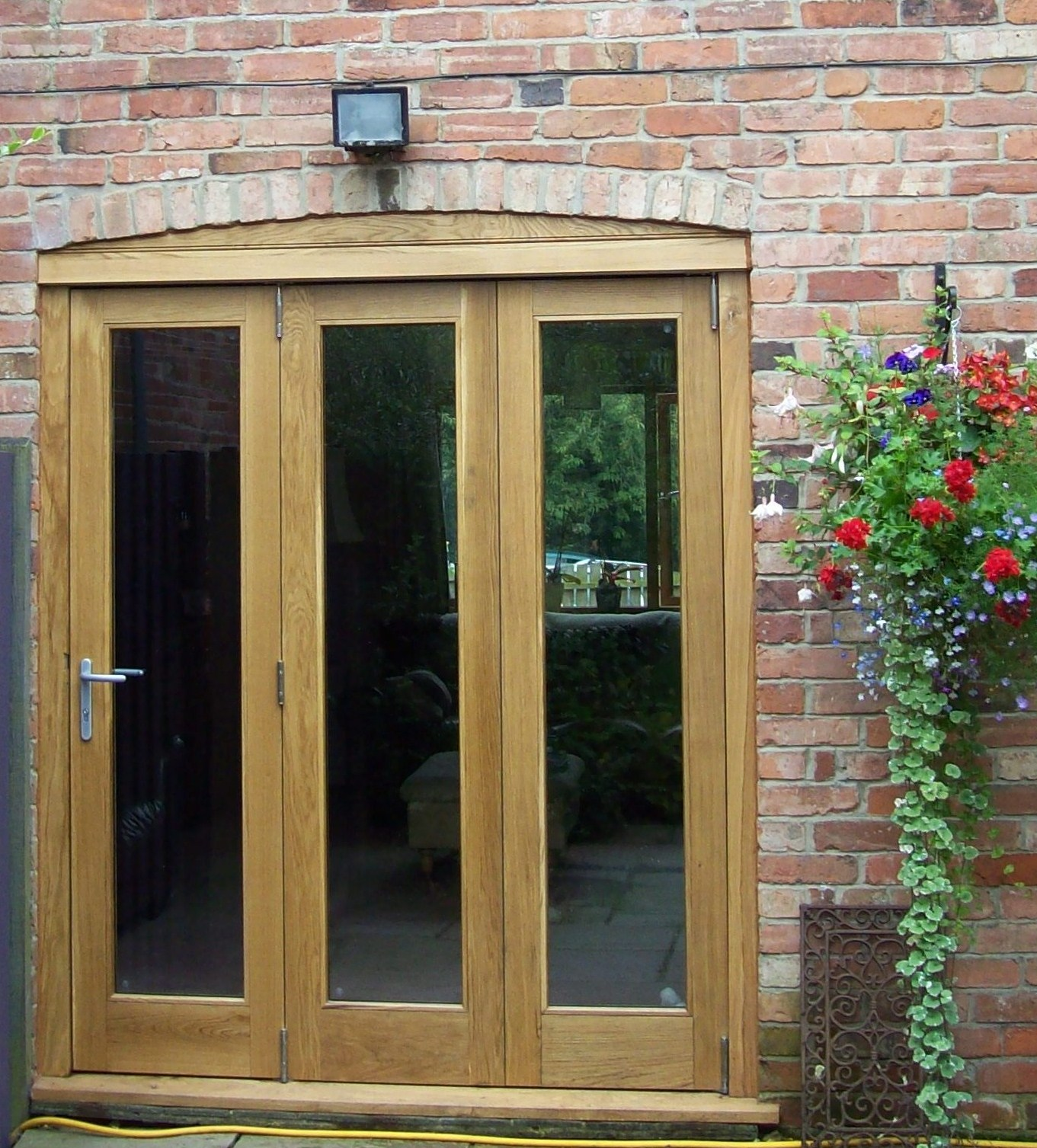 Oak Doors With Windows : Oak bi fold doors bull construction